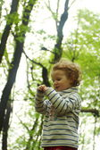 Park, sevimli küçük kız — Stok fotoğraf