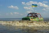 7 月 26 日 tolokun。基辅地区,ukraine.9 脱-road-免费-巨星 2014.offroad 免费荟萃-明亮的极端的和独特的事件,在汽车世界欧洲. — 图库照片