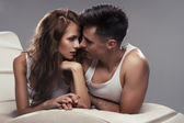 Attractive young lovers — Stock Photo