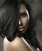 Portret van een mooie vrouw — Stockfoto