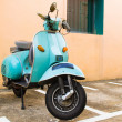 Vintage green scooter — Stock Photo
