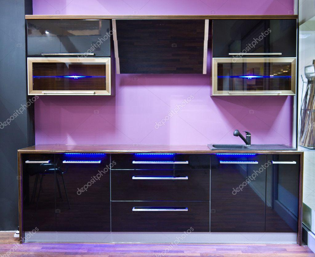 moderne lila küche interieur mit led-licht — stockfoto © mroszczyk