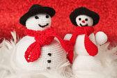 Вязание крючком снеговики — Стоковое фото