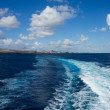 Ferry leaving Lanzarote — 图库照片