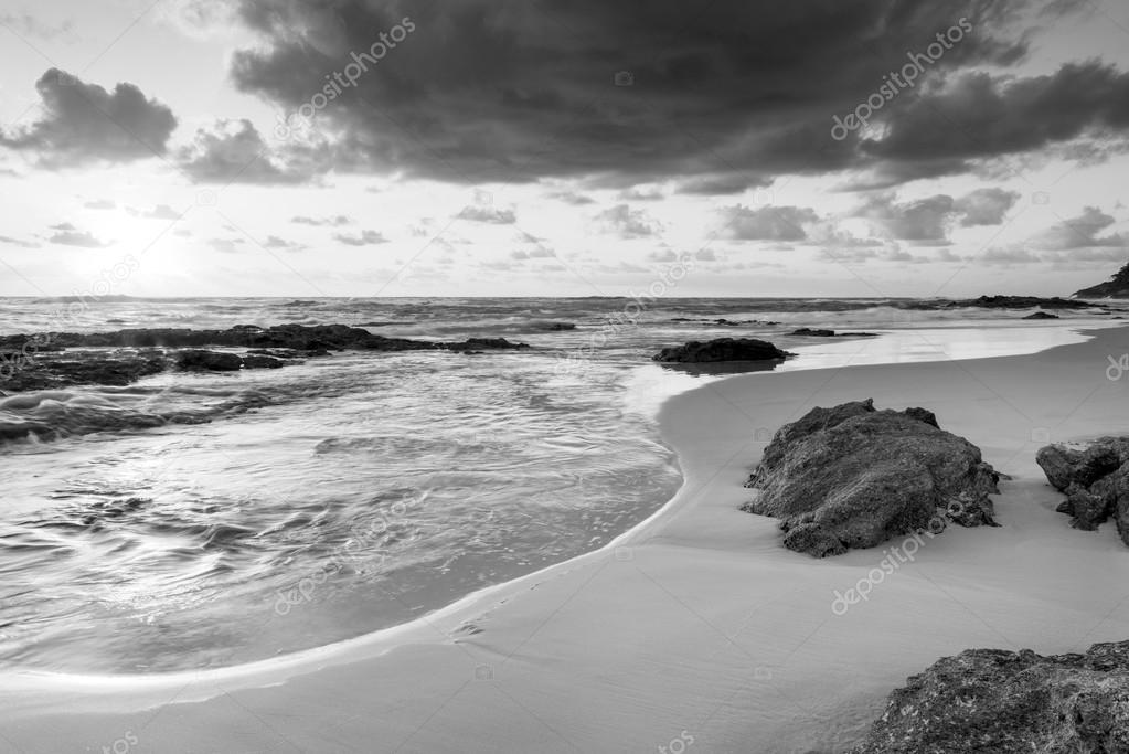 Playa amanecer blanco y negro foto de stock 41234307 for Imagenes de cuadros abstractos en blanco y negro