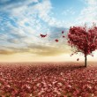 Red heart tree — Stockfoto