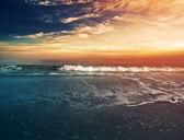 Meer und zum sonnenuntergang — Stockfoto