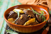 Chicken livers with apple — Stock Photo