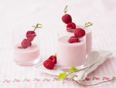 Yogurt with raspberry — Stock Photo