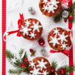 Christmas fruit cakes — Stock Photo