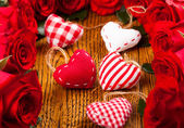 Five hearts and red roses — Stock Photo