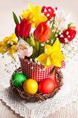 Spring flowers and Easter eggs — Stock Photo