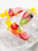 Fruit popsicles — Stock Photo
