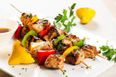 Meat and vegetable kebabs — Stock Photo