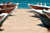 Ponton d'accostage, débarcadère en bois. — Photo