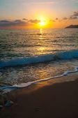 Sunset on the sea horizon,  evening wave — Stock Photo