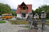 "Monument to the heroes of the comedy ""Mimino"" in Dilijan. Armeni — Stock Photo"
