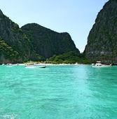 Tropical island resort Phi-Phi island Province Krabi Thailand — Stock Photo