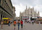 Milan Cathedral Duomo and Vittorio Emanuele II Gallery at Piazza — Stock Photo
