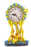 Reloj en forma de una jirafa sobre un fondo blanco — Foto de Stock