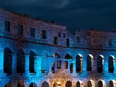 Anfiteatro sob luzes — Fotografia Stock