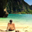 Young woman on the beach. Maya Bay, Kho Phi phi, Thailand. — Stock Photo