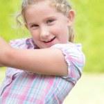 Happy litlle girl - outdoor. — Stock Photo