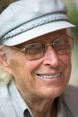 Senior hombre con gafas — Foto de Stock