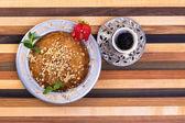 Turkish Dessert Kunefe on Multicolor Wooden Cutting Board — Stock Photo