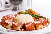 Turkish Beyti Kebap Garnished with Vegetables — Foto Stock