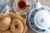 Fresh Turkish sesame bagels for teatime — Stock Photo