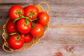 Basket of freshly ripened and cleaned tomatoes — Stock Photo