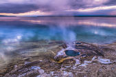 Lakeshore Geyser - West Thumb Basin Yellowstone — Stock Photo