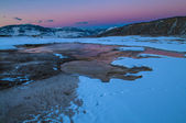 Paisagem de inverno Yellowstone ao pôr do sol — Fotografia Stock