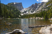 Dream Lake with Hallett Peak and Flattop Mountain — Stock fotografie