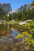 Dream Lake with Hallett Peak and Flattop Mountain — Stockfoto