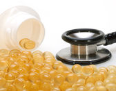 Garlic oil capsules for healthy heart — Stock Photo
