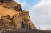 Reynisfjara rock formations at Halsanefhellir Iceland — Stock Photo