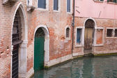 Weathered back street in Venice Italy — Stock Photo