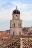 Dubrovnik famosa torre del reloj en la plaza luza — Foto de Stock