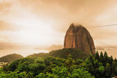 Evening view of Sugarloaf mountain Rio De Janerio Brazil — Stock Photo