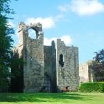 Etal castle, tower and gatehouse entrance — Stock Photo #46886843