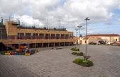 Plaza mit lampe — Stockfoto