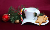 Gingerbread and a cup — Stock Photo