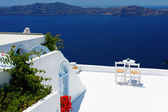 Open air cafe with beautiful view in Santorini, Greece — Foto de Stock
