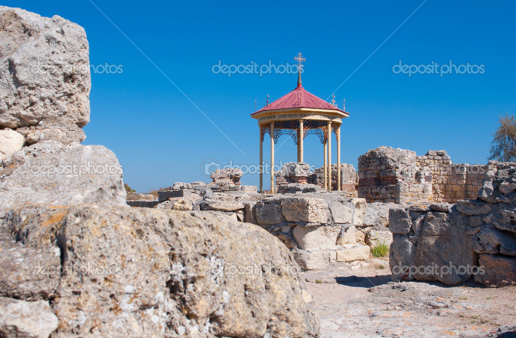 Baptistery of the VI-X centuries in ruins of old Chersonese, Sevastopol, the Crimea, Ukraine — Stock Photo #16794609