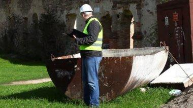 建物査察官による、古い遺跡のエピソード 10 — ストックビデオ