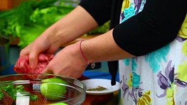 Woman preparing food — Stock Video