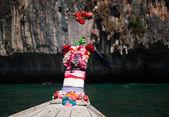 Thailand-ozean-landschaft. exotische strandblick und traditionellen shi — Stockfoto