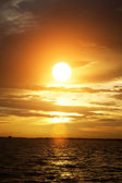 Orange sky over the lake at sunset. — Stock Photo